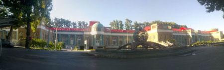 ساختمان اصلی بیمارستان